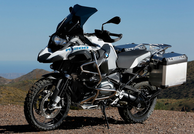 2015-BMW-R1200GS-Adventure-front1